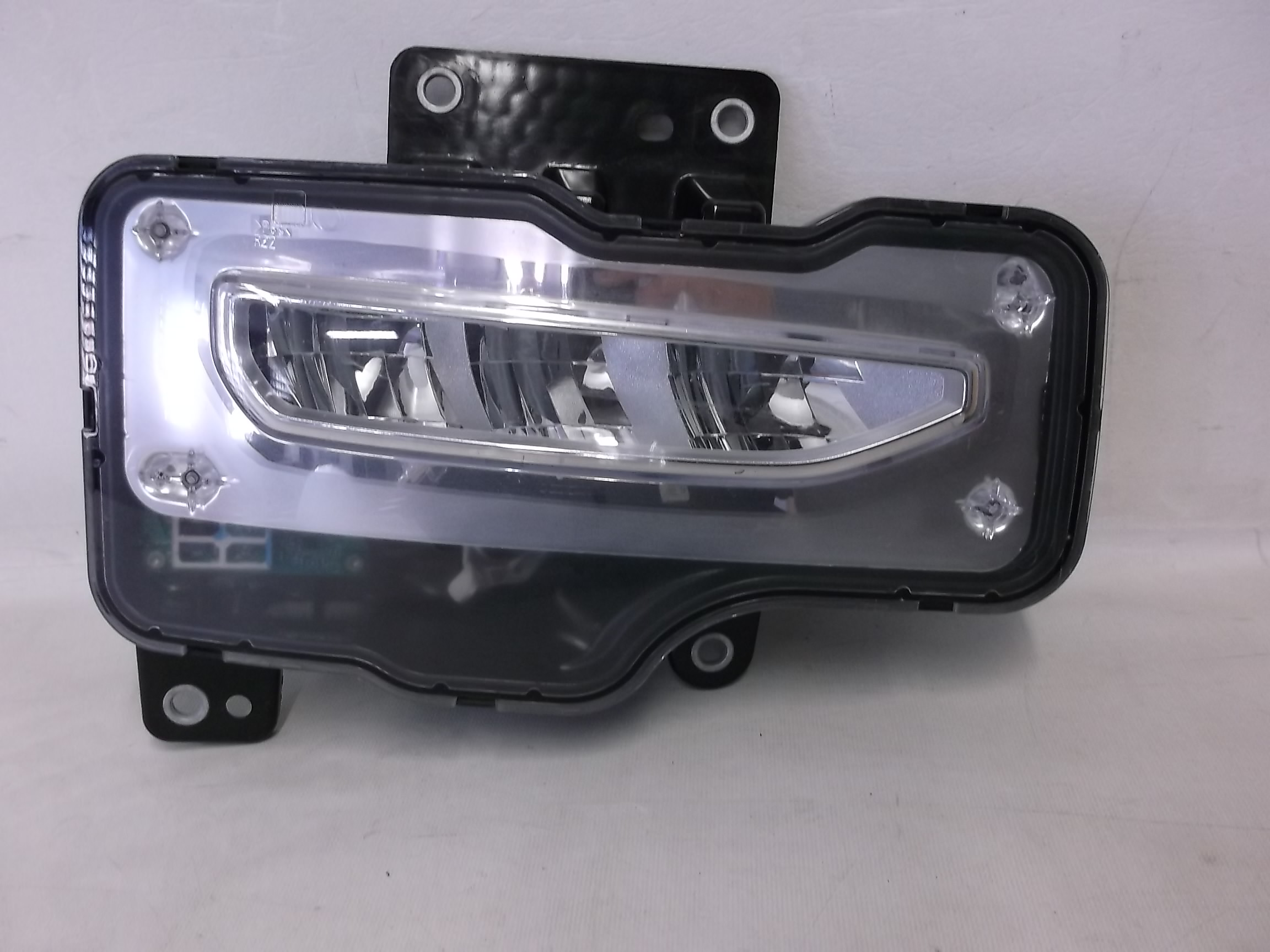 OEM 2016 2017 2018 GMC SIERRA 1500 LED RH PASSENGER SIDE